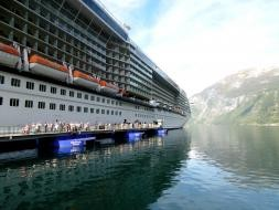 Celebrity Eclipse at the Seawalk Gairanger