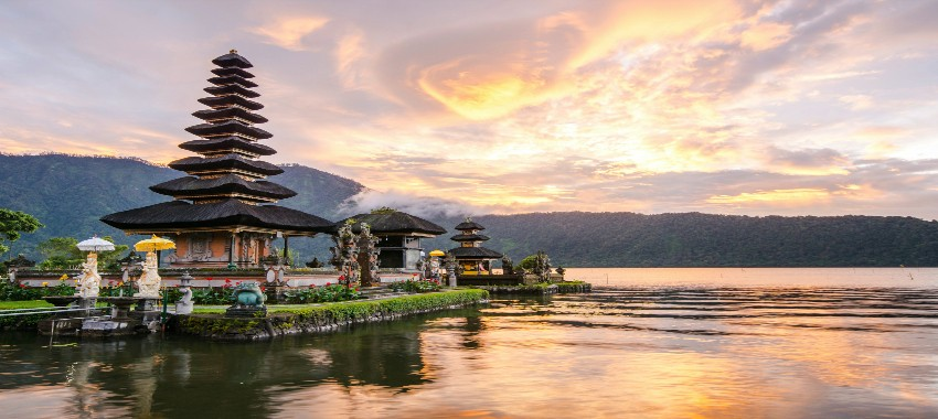 Beaches of Bali with The Best of Vietnam, Thailand & Hong Kong