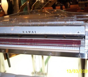 KAWAI- The only piano with crystals Svarowski