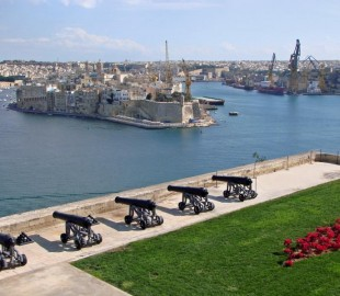 The guns at Valetta harbour.