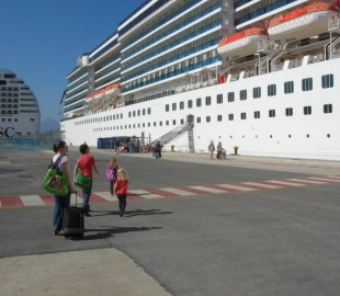 Wow Dad...its huge! Costa Atlantica childrens first cruise, Heraklion.