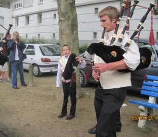 Yet more bagpipes!
