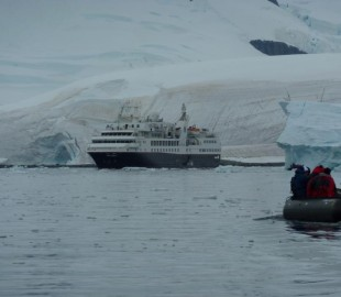 Antartic with Silverseas Explorer in the background