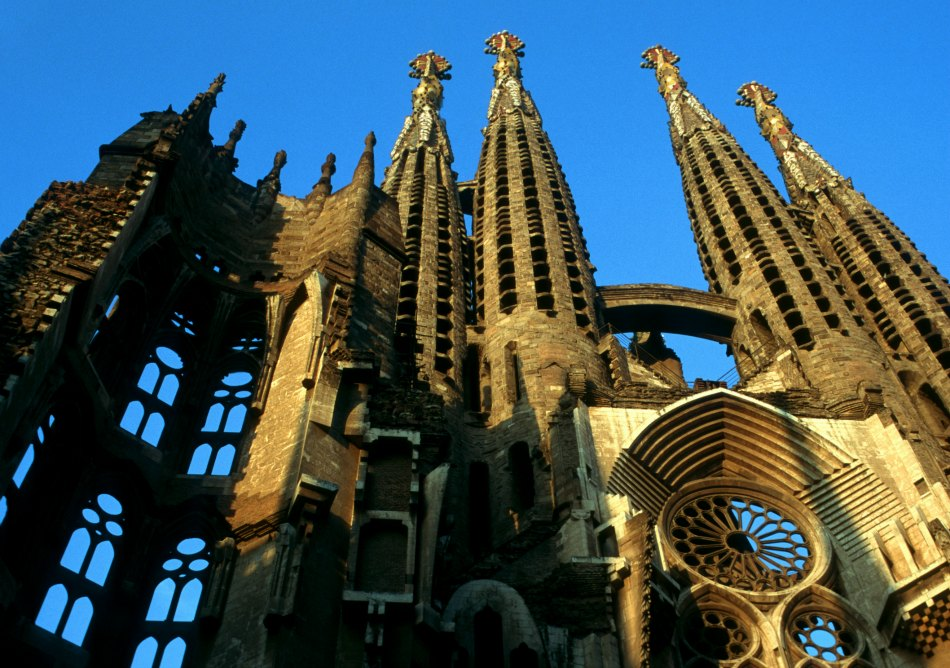 Discover the Darker Side of Barcelona