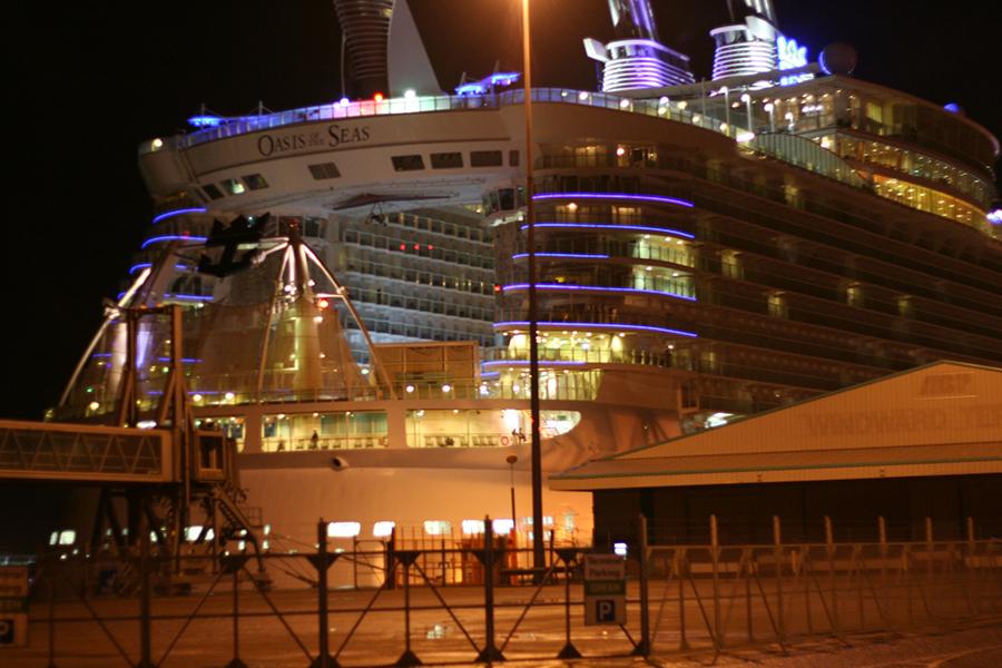 Cruise Dining Room Farewell