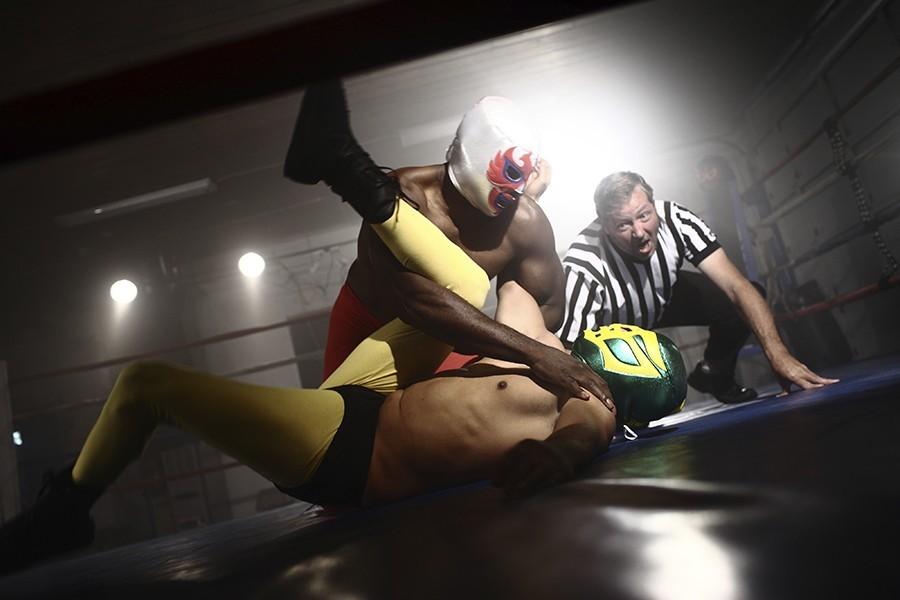 Luchadors wrestling