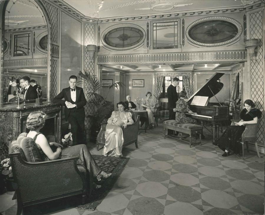 Cunard lounge