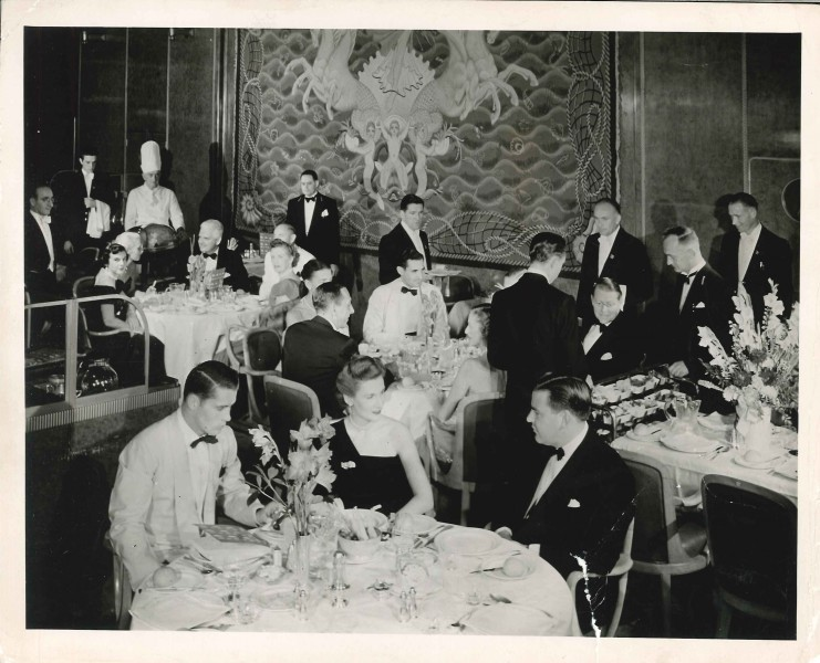 Formal Dining On Cunard