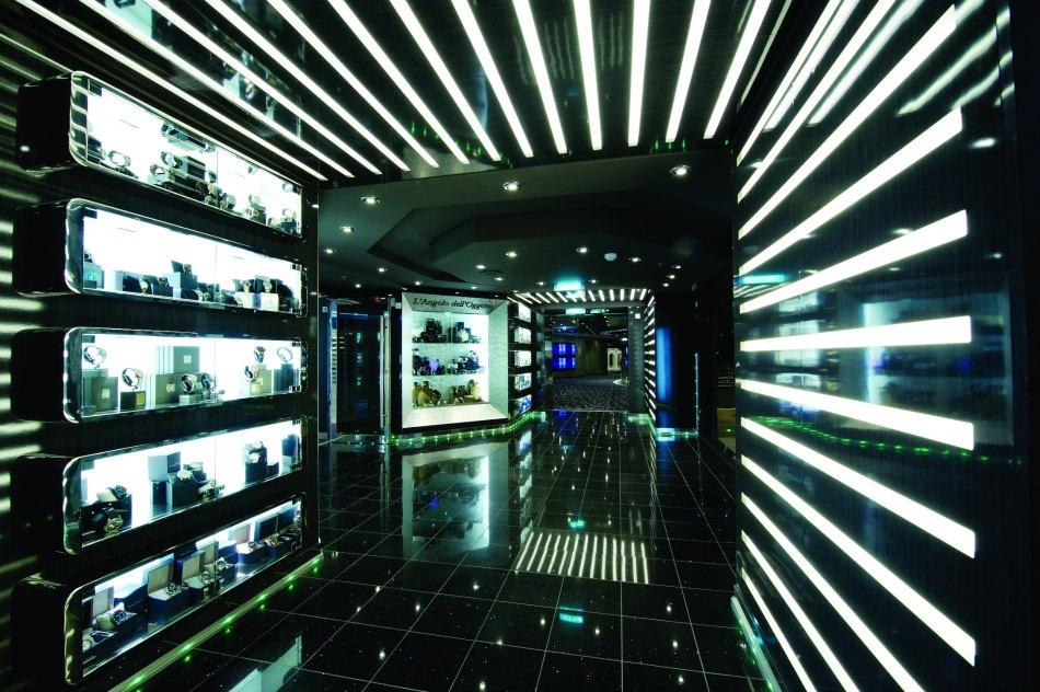 MSC Divina shops