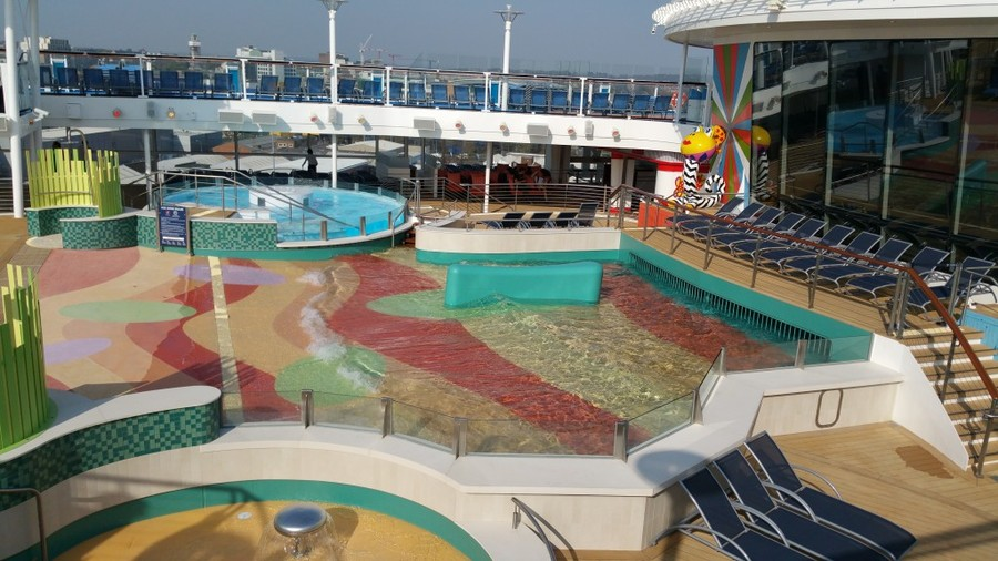 Kids pool anthem of the seas