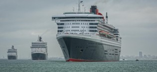 Cunard three queens meet