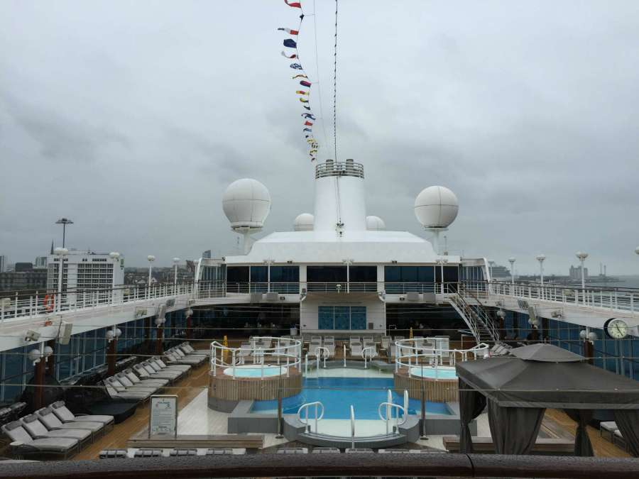 pool and deck on azamara