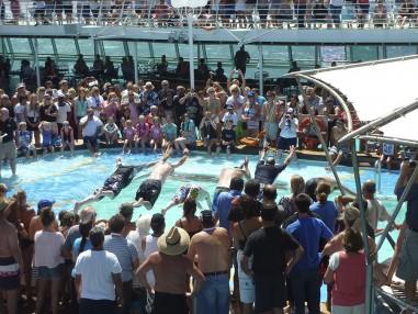 Overcrowded-pool