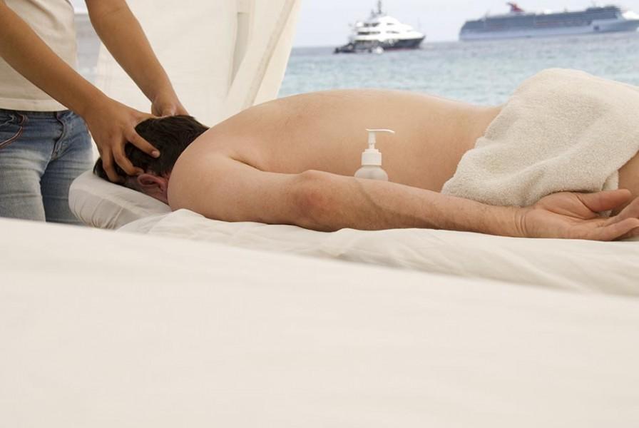massage on a beach