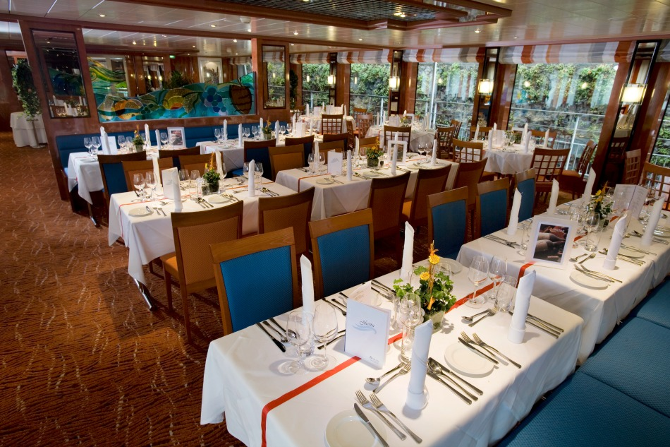 Dining room on Avalon ship