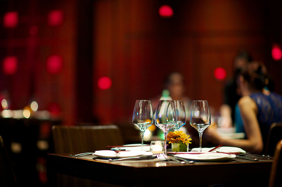 avid cruiser restaurant