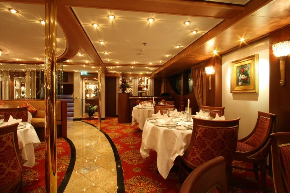 Cruise and Maritime restaurant