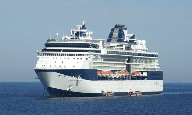 Celebrity ship experiencing 'propulsion problem'