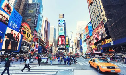 A Quick Bite of the Big Apple: Ten Magical New York Minutes