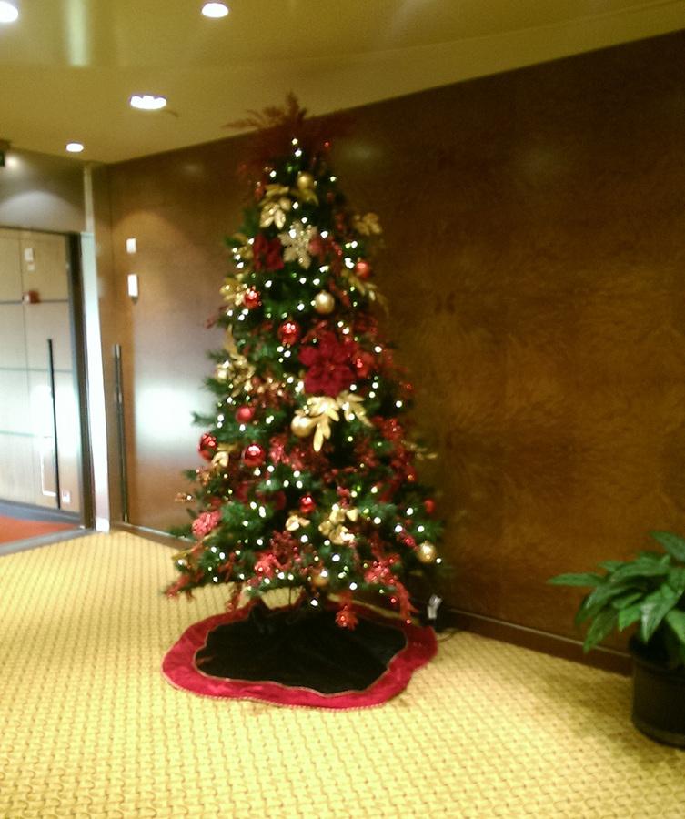 Cunard Christmas tree