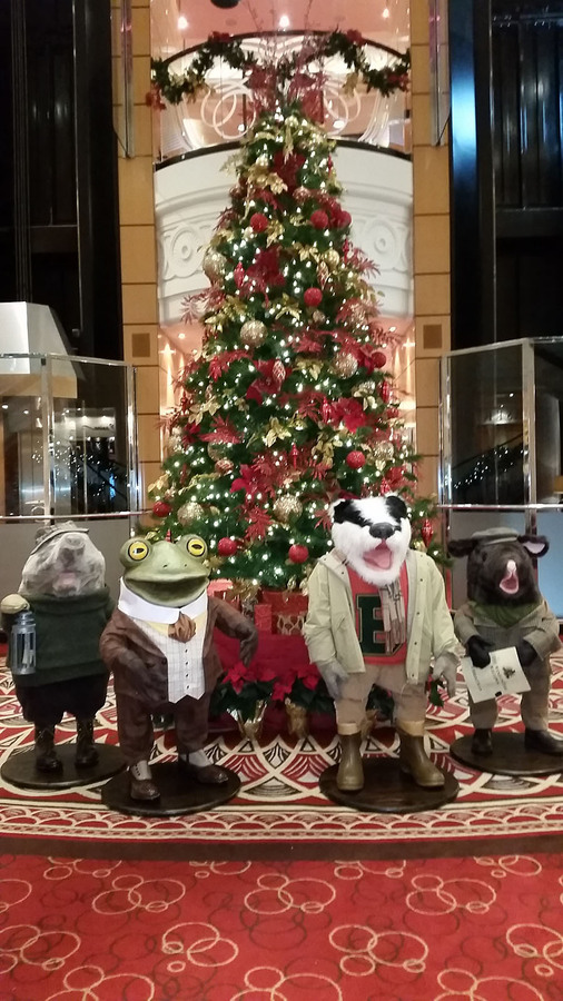 wind in the willows - When Do Cruise Ships Decorated For Christmas