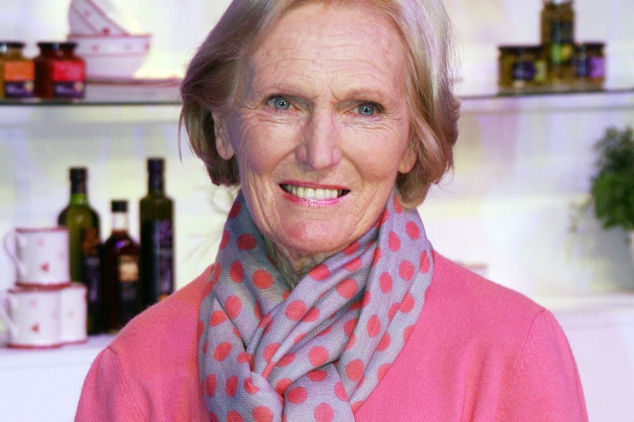 Mary berry the food hero cruise bulletin for Mary berry uk