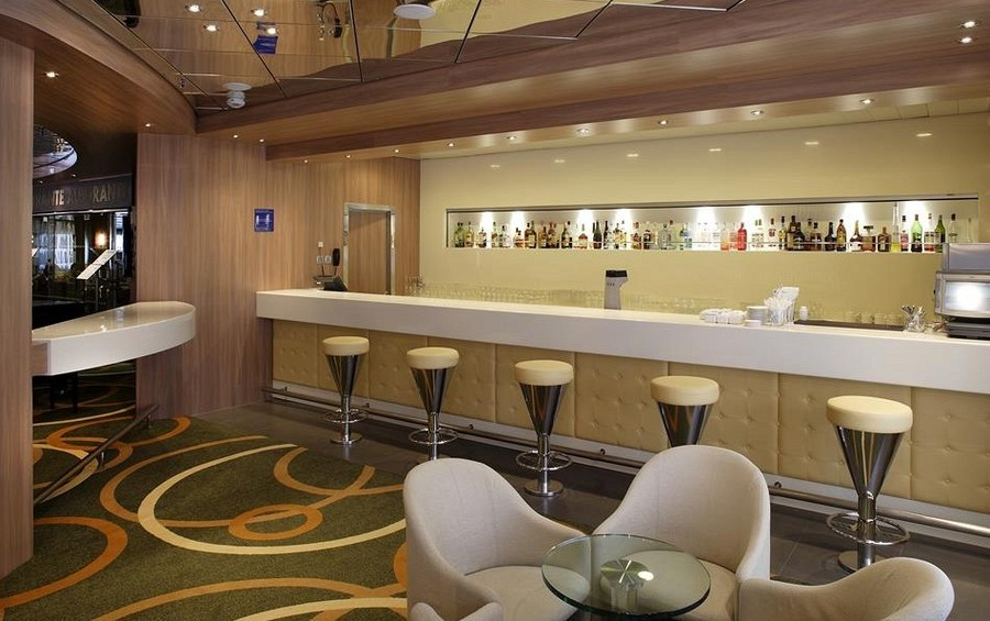 magellan - Hampton's Lounge