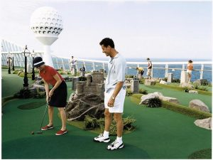 Mini golf on Discovery