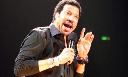 Lionel Richie to Rock Carnival Cruises!