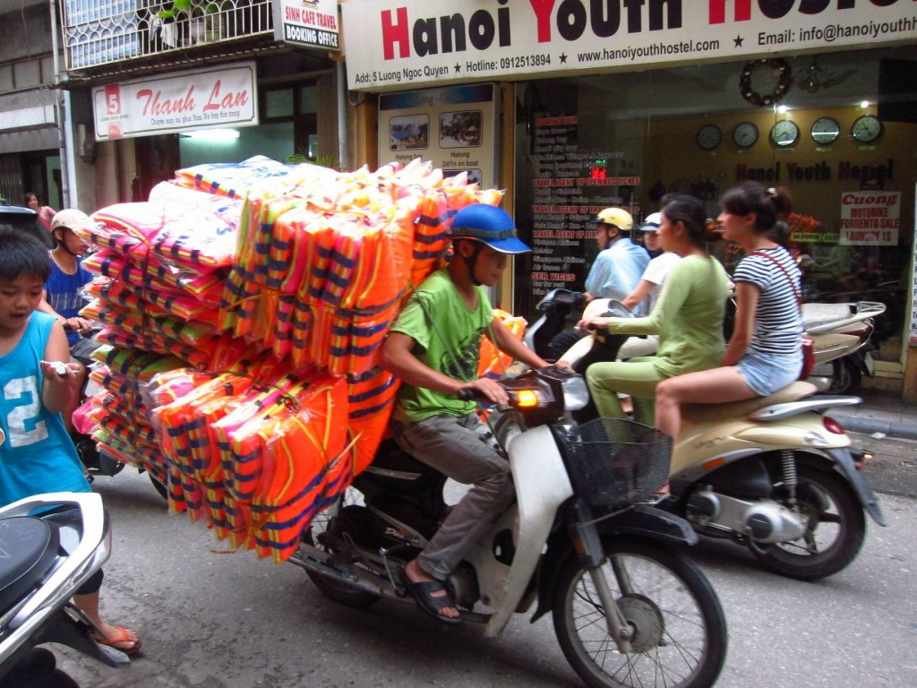 15 Images Of Vietnamese Moped Users Getting It Wrong