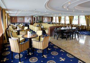 Lounge and piano bar riviera