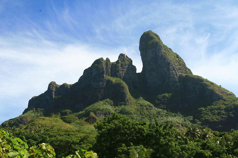 bora bora mountain