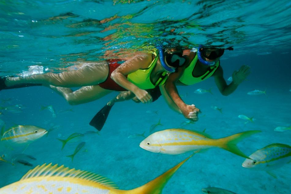 CatawayCay-Couple-Snorkeling