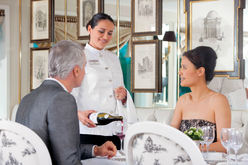 ImageLibrary-PR_UW_RB_Restaurant_PourWine
