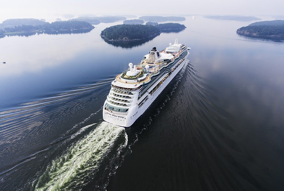 The Great Debate: Are Cruise Ships Bad For The Environment ...