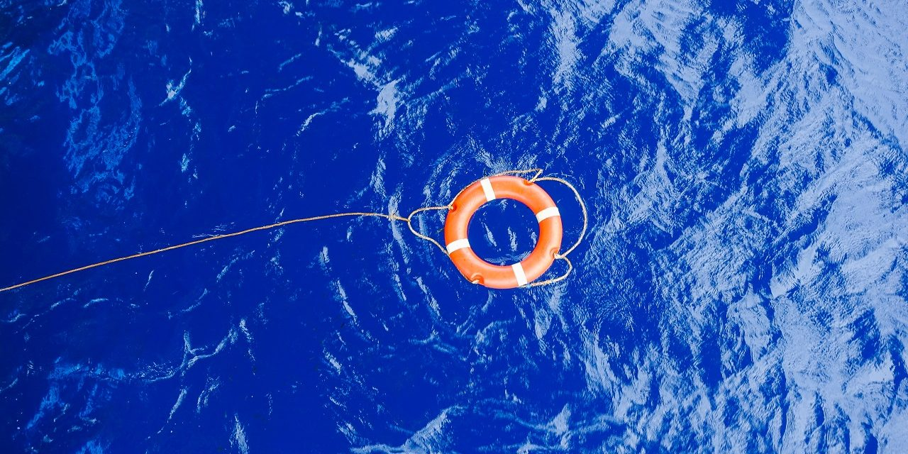 NCL Act Fast & Save The Day As Passenger Falls Overboard
