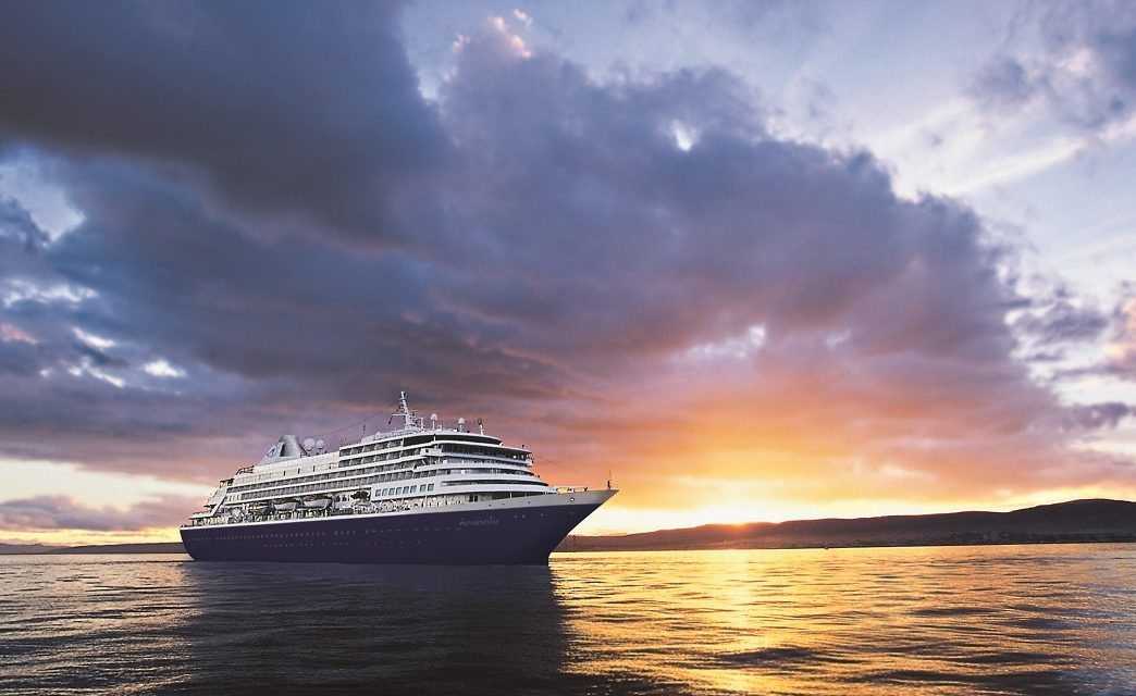 Holland America Fans Say Goodbye To Prinsendam Before Its Transfer