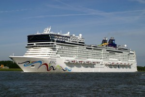 NORWEGIAN EPIC - © 2010 Cees de Bijl - www.simplonpc.co.uk