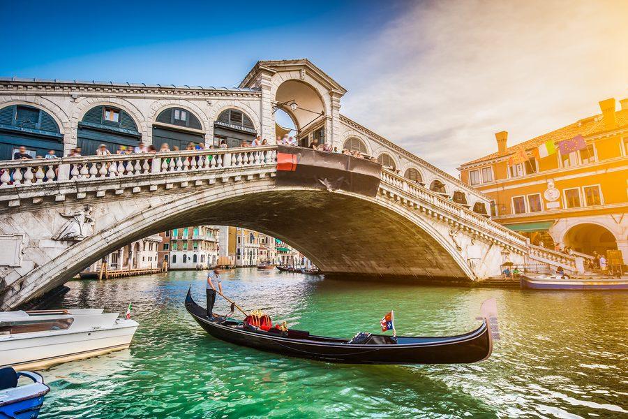 The Famous Verona Opera with Lake Garda & Venice Stays