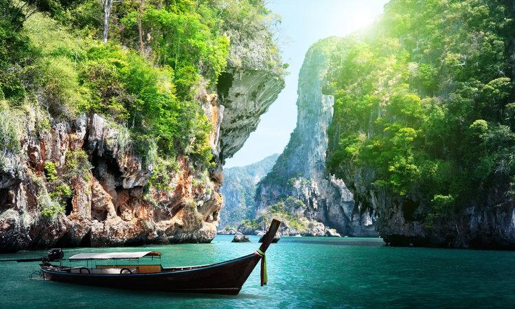 Ultimate South East Asia with Angkor Wat, Ha Long Bay & Bangkok