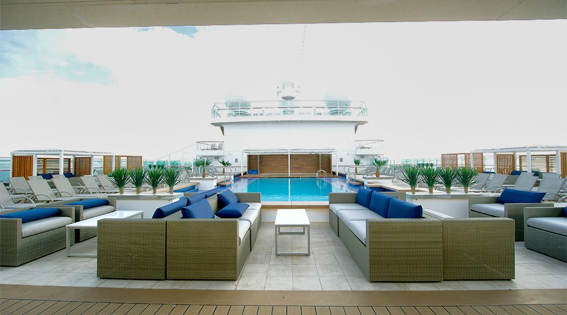 P&O Cruises Britannia Serenity Pool