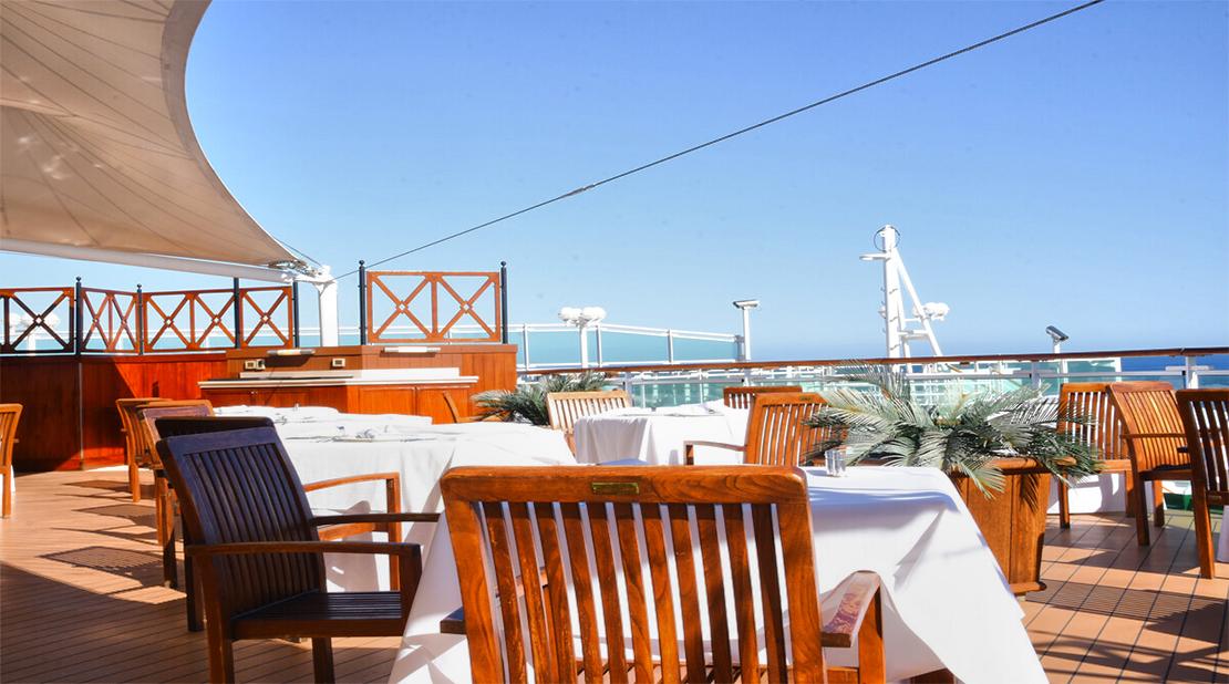 P&O Cruises Ventura Outdoor Dining