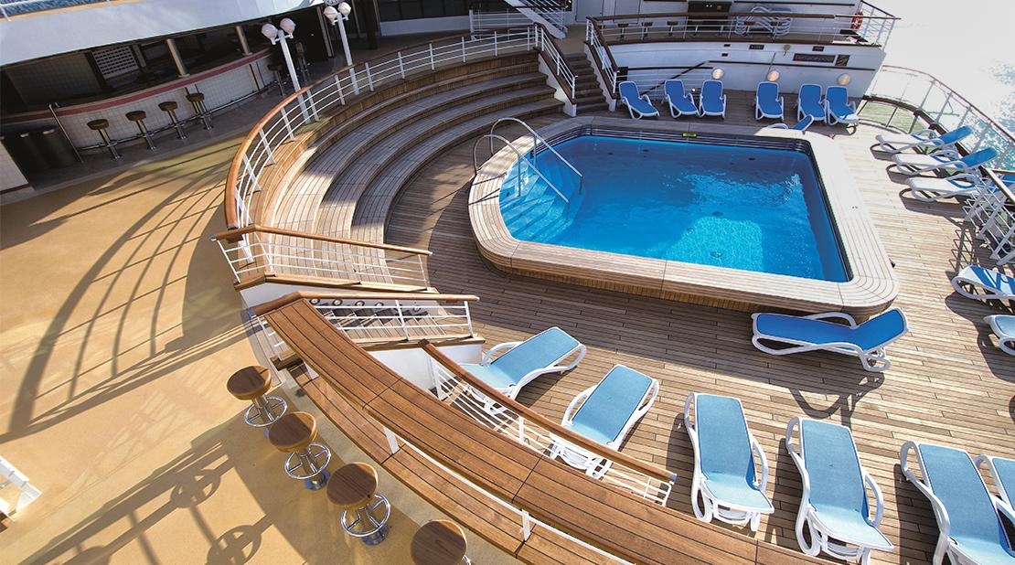 P&O Cruises Ventura Terrace Pool